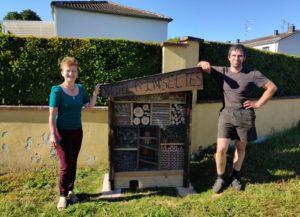 Installation hôtel à insectes place des Lilas